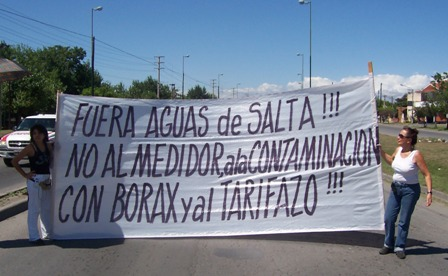 jpg_AguasdeSaltaCartelContra.jpg